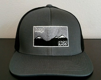 Bend - 1905 Trucker Hat / Cap - Oregon / Three Sisters