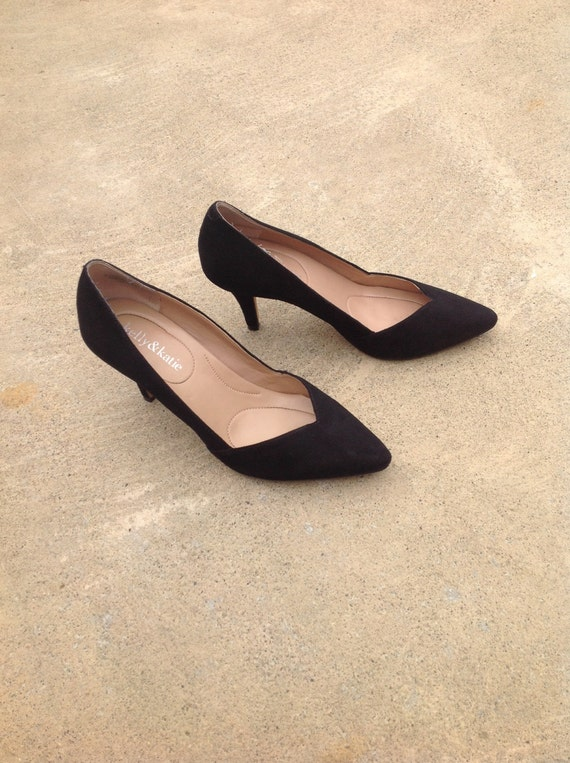 Vintage 90s does 50s pointed toe black suede kitten heel, size 6