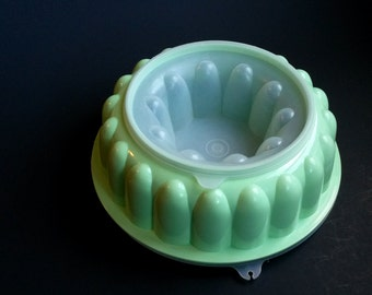 Vintage Tupperware green jello mold, mint green Tupperware, jello mold green