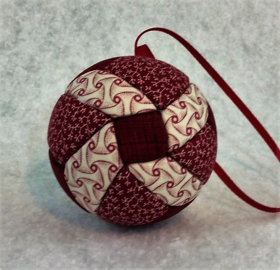 139 Cube Petals - Red and White Christmas ornament from a quilt pattern
