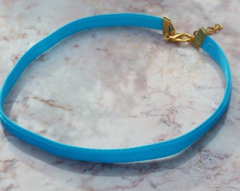 VELVET choker in neon blue