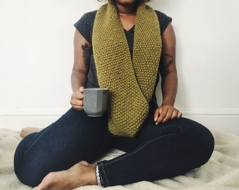 Xylia Snood, Infinity Scarf, Chunky Knit Snood, Olive Green Scarf, Handmade Infinity Scarf, Wool Scarf, Gifts for Her, Winter Scarves