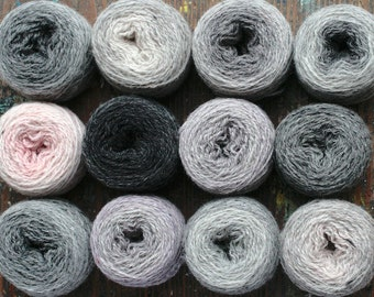 Pure wool knitting yarn - 12 x 20 g