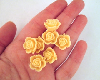 10 15mm Pale Peach Rose Cabochons, cute round flower cabs