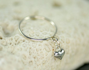 delicate sterling silver dangle ring with a heart charm
