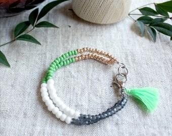 Green Tassel Bracelet, Matte Gold Beads, Beaded Friendship Bracelet, Boho Jewelry, Tassel Charm, Tassel Jewelry, Glass Seed Bead Bracelet