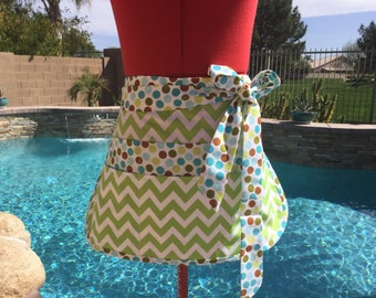 Chevron Vendor Utility Sassy Apron, Back to School, Half Apron with 6 pockets, Great for Vendors, Sewing, Crafts, Cleaning
