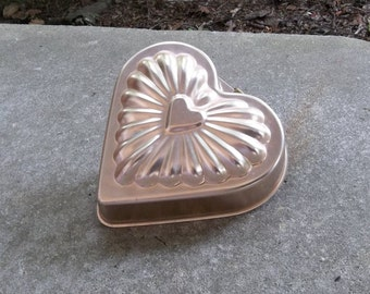 Vintage Copper Heart Mold Gelatin Mold Cake Pan Farmhouse Kitchen Decor Candy Mold Valentines Day French Country