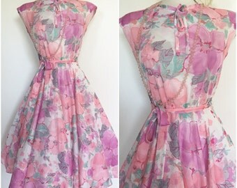 Pretty in Pink 1970s 70s Floral Disco Dress