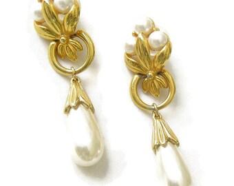 White Faux Pearl Dangle Earrings Flower Door Knocker Bridal Wedding Vintage Gold Tone