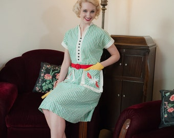 Vintage 1940s Dress - Charming Green and White Gingham Summer Cotton 40s Day Dress with Accent Pockets
