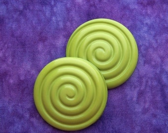 MAMMoTH Vintage Buttons 44mm - 1 3/4 inch Juicy Kiwi Green Plastic Buttons - PAiR of 2 Glossy Grooved Lime Green Spiral Shank Buttons PL176