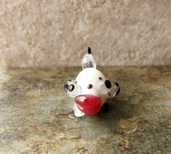 Fish Bead White and Black Spotted red  Glass Bead Craft  5  Beads  Jewelry Supply Lampwork Bead #193