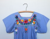 fiesta -- vintage 70s floral motif embroidered Mexican cotton day dress XS or Kids size 10