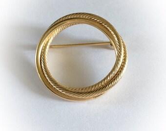 Vintage Gold Tone Metal Hoop Brooch