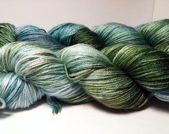 "Handpainted hand dyed kettle dyed Sock Yarn Shawl Yarn Superwash Merino/Silk 50/50 437yds 100g ""Earthsea"""