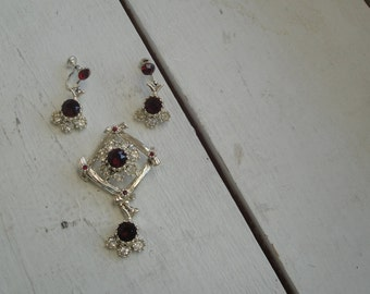 Vintage Pendant and Earring Set Gold Red Rhinestone