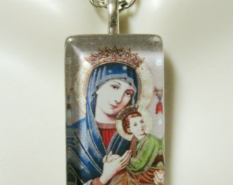 Our Lady of Perpetual Help pendant with chain - GP09-006