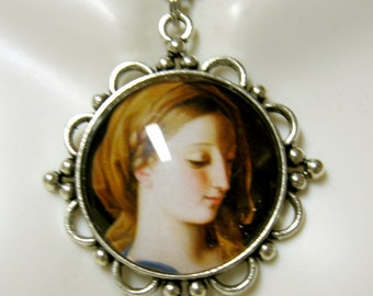 Virgin Mary pendant and chain - AP26-024