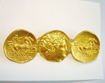 Vintage Jewelry Roman Coin Style Brooch  Gold Tone