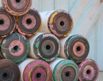 Rustic Vintage Lace Wood Spools - Chipping Paint Industrial Home Decor Bobbins -  Vintage Wooden Spool w Fine Spinning Thread