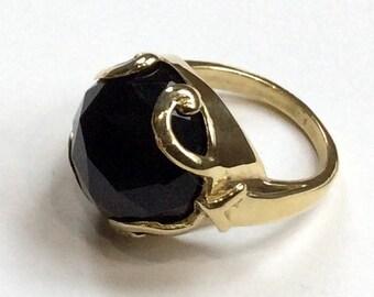 Black Onyx ring, Gold-tone ring, gemstone ring, stone ring, gemstone ring, brass ring, statement cocktail ring - Queen of Hearts R2316-5