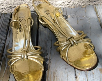 Women's 60s Vintage Gold Metallic Leather Sandals, Made in Italy by Galia Evins, Size 9 1/2