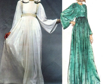 70s DIOR Vogue Paris Original Pattern 1553 Hippie Boho Maxi Caftan Dress with optional Hood Size 12 Bust 34 inches