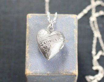 Small Sterling Silver Heart Locket Necklace, Words I LOVE YOU Engraved Vintage Photo Pendant - Beautiful Message