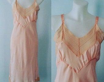Vintage 1930 Peach Full Slip, 1930s Slip, Full Slip, Vintage Full Slip, Vintage Bias Cut Slip, Vintage Slips, Vintage 1930s