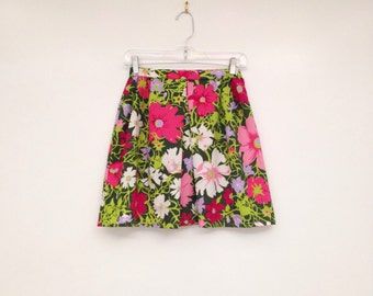 Amazing Vintage 1970s Psychedelic Floral Print High Waisted Fit and Flare Mini Skirt