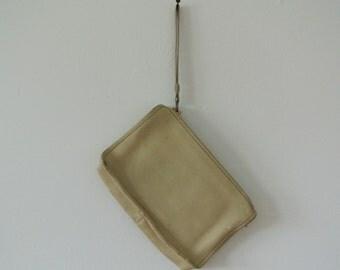 Vintage Coach Purse - Vintage Cream Leather Clutch with Zipper Closure and Wrist Strap