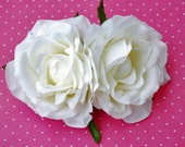Beautiful pair of white roses with green leaves  pin up vintage rockabilly 40s 50s burlesque hairflower hairpiece bride wedding