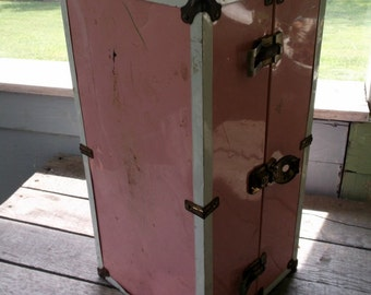 """Vintage Metal Pink Doll Case Locker Style 18 1/2"""" Pink with White Trim and Plastic handle"""
