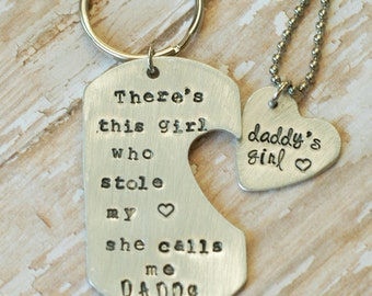There's This Girl She Stole My Heart She Calls Me Daddy - Father's Day Keyring Heart Necklace Set - Christmas Gift -Grandpa Gift -Graduation