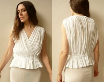 Vintage White Grecian Style Gauze Crinkle Top Size M/L