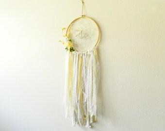 Large Dream Catcher - Dream Catcher Wall Hanging - Lace Dreamcatcher - Bohemian Dream Catcher - White Dream Catcher - Bohemian Wall Tapestry