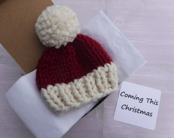 Christmas December Baby Announcement - Hat In A Box - Grandparent Pregnancy Gender Reveal Surprise