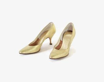 Vintage 50s GOLD HEELS / 1950s Metallic Party Pumps Shoes 5