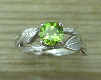 Peridot Engagement Ring, Leaf Engagement Ring With Peridot, Peridot Twig Engagement Ring, Bark Engagement Ring, Peridot Wood Engagement Ring