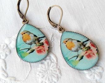 Robin bird vintage earrings. Bird Jewelry. Robin Jewelry.  Mint vintage earrings. Vintage flowers.  Woodland earrings. Cottage earrings.