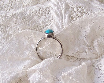 Vintage Turquoise Midi Ring Tiny Turquoise Stone Ladies Dainty Silver Ring Size 4.75 Southwest Jewelry Vintage 1960s