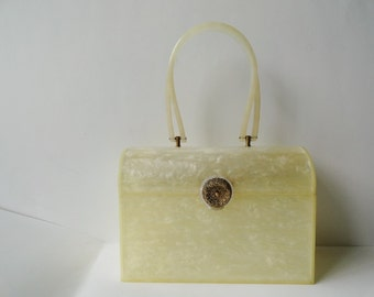 VINTAGE WEDDING PEARL Lutice  Purse Handbag |Wilardy White Pearlized Lucite Top Handle Purse|Vintage Cylindrical Lucite Purse