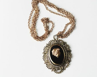 Vintage Large Cameo Necklace  Gold Victorian Cameo Black Glass Pendant Necklace Antique Cameo Necklace Black Glass Jewelry