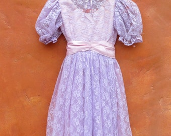 Vintage 1960s 1970s Girl's Lavender Purple Pink Party Formal Dress. Victorian.Lace Satin Bow. Size 6x 7