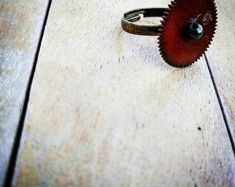 Vintage Acrylic Gear Ring