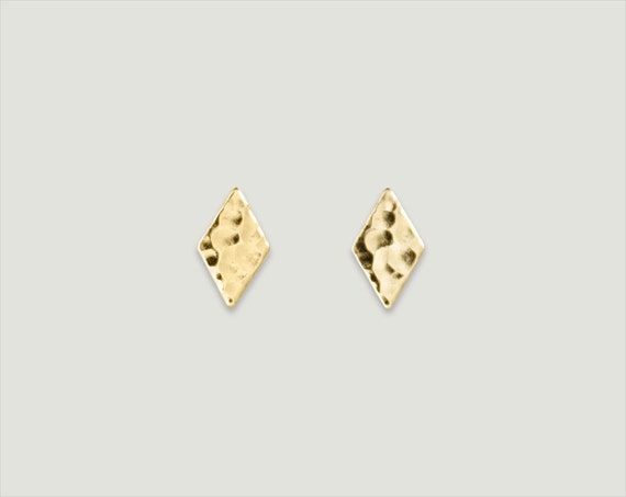 """gold stud post earrings / hammered diamond / mix & match // """"TRIER"""""""