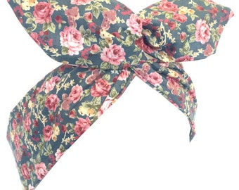 Light grey with vintage pink floral Print - Pin up Wire Headband Hair Wrap