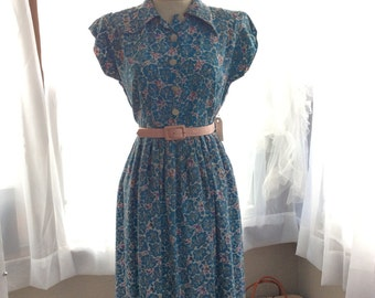 CHEERFUL BLUE NOVELTY print 1950s dress in blues, pinks and purples