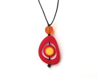 Nursing Necklace Breastfeeding Jewelry - Spinning Disc Pendant - Red, Orange, Yellow - Fire Ombre
